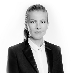 Mária Sadloňová, Senior Associate