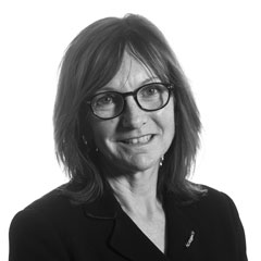 Claire Stewart, Principal Associate Professional Support Lawyer